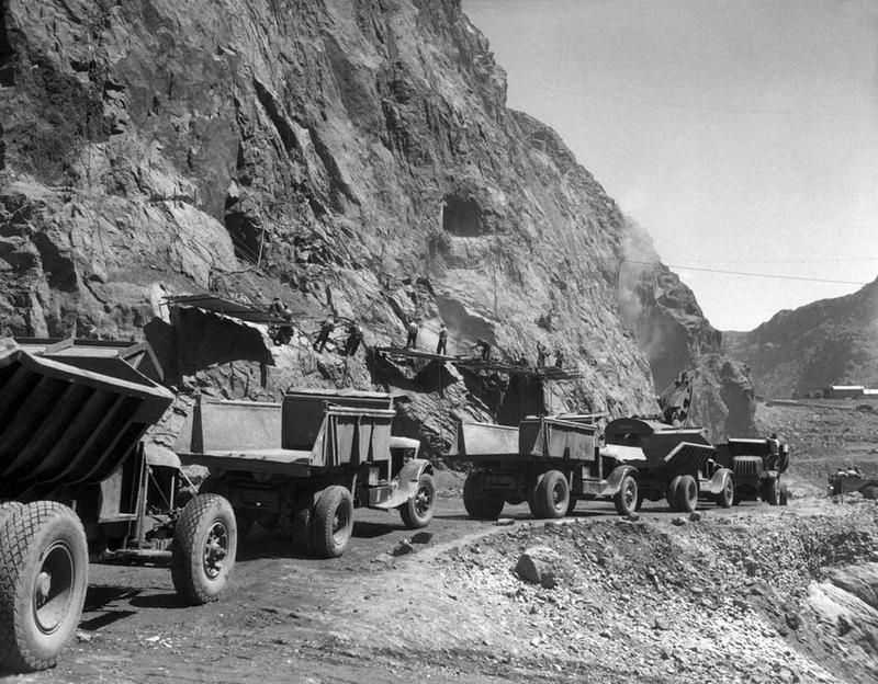 Building the Hoover Dam 5