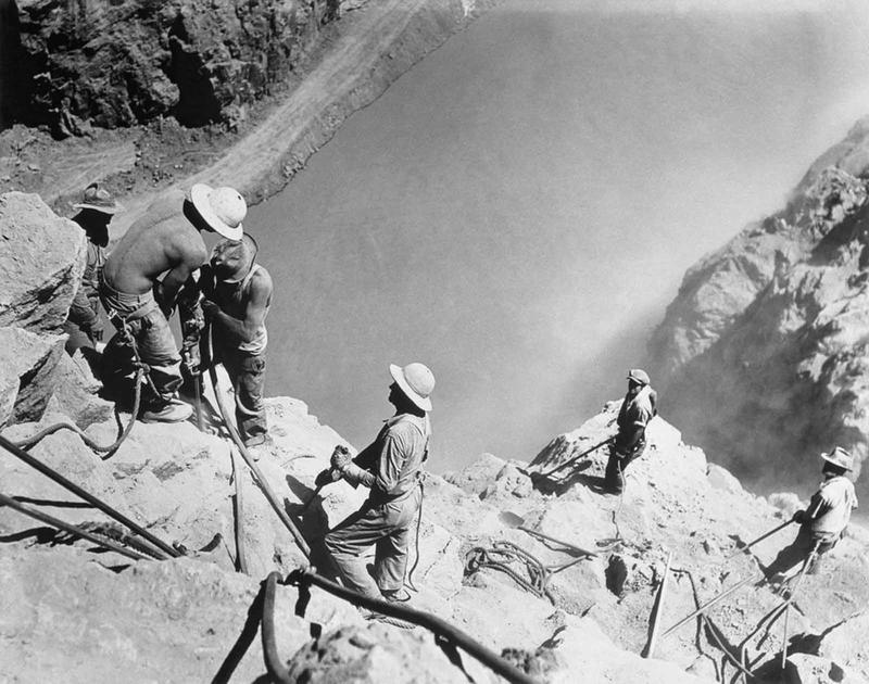 Building the Hoover Dam 7