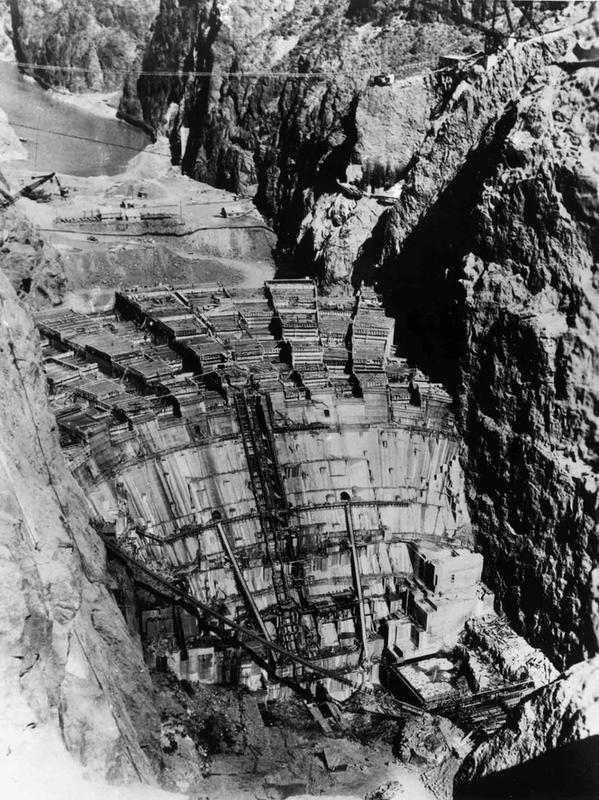 Building the Hoover Dam 10
