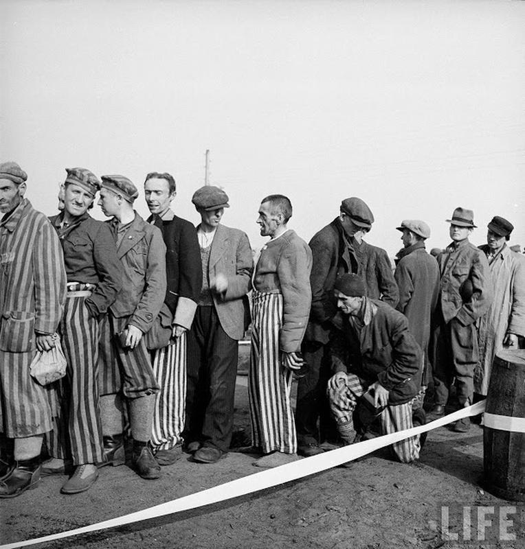 liberation-of-bergen-belsen-concentration-camp-18