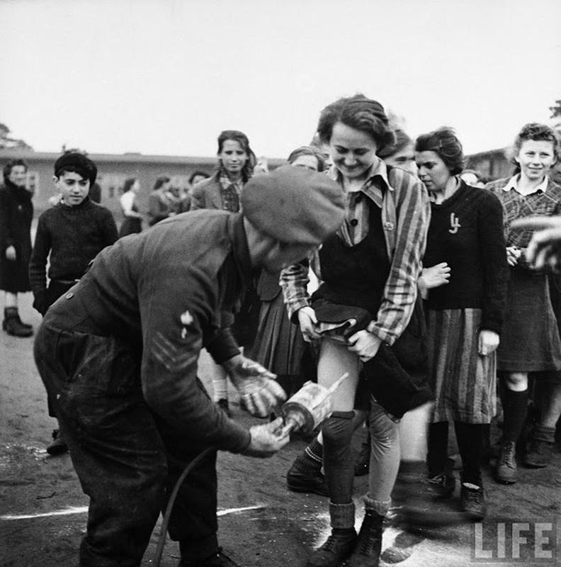 liberation-of-bergen-belsen-concentration-camp-8