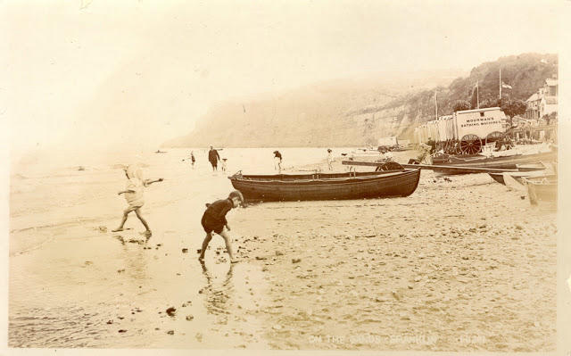 Edwardian Children at Beach 33