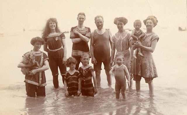 Edwardian Children at Beach 24