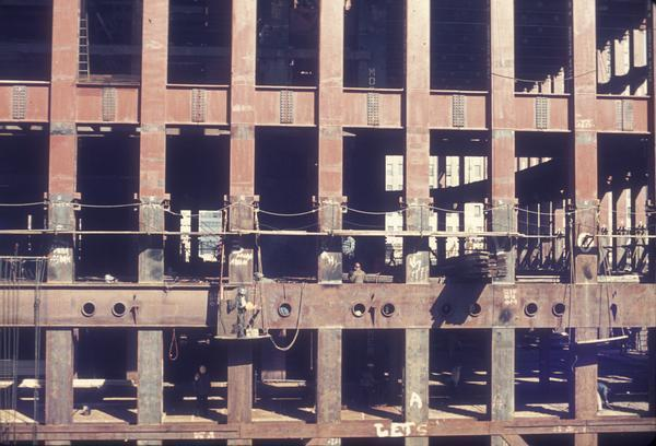construction of twin towers 22