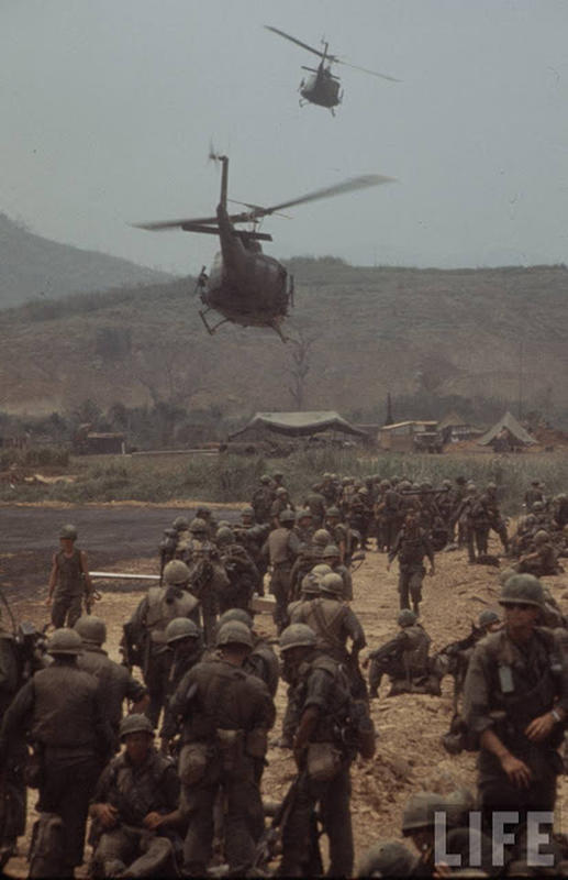 Larry-Burrows-Vietnam-war-photos-12