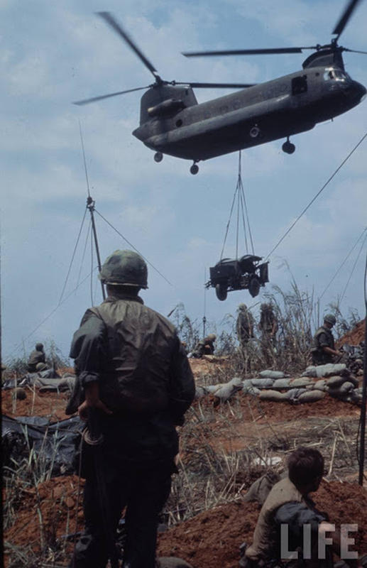 Larry-Burrows-Vietnam-war-photos-32