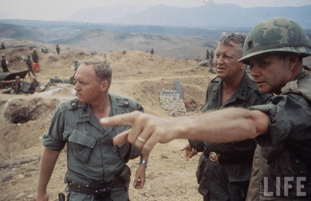 Larry-Burrows-Vietnam-war-photos-21