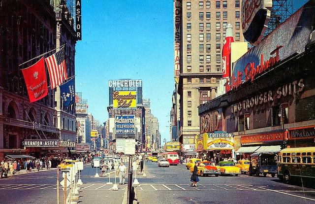 Streets of USA in the 1950s (14)