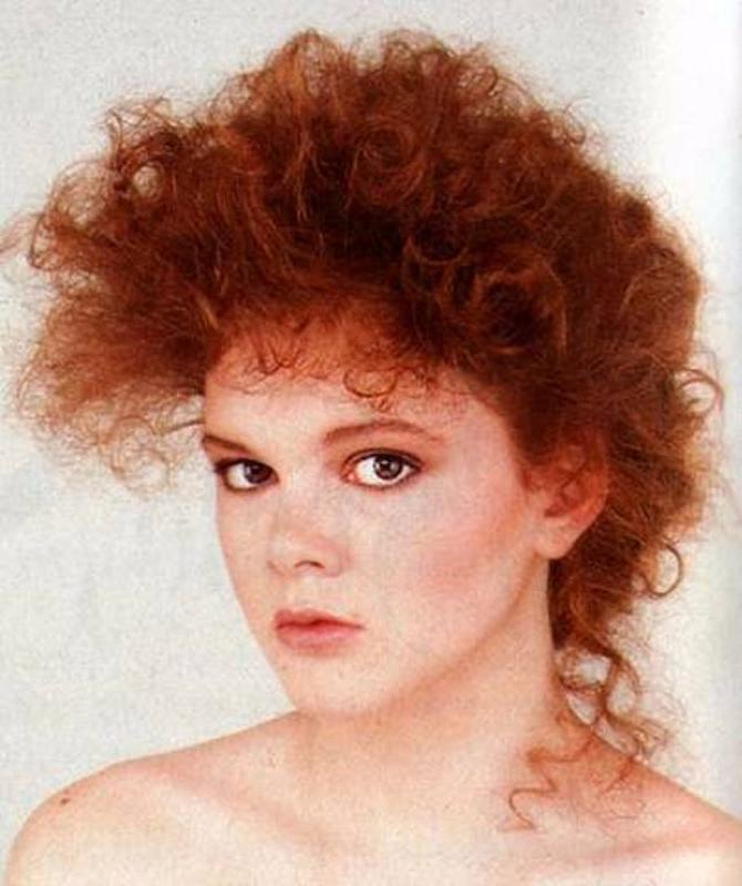 Women Rock Hairstyle in the 1980s (15)