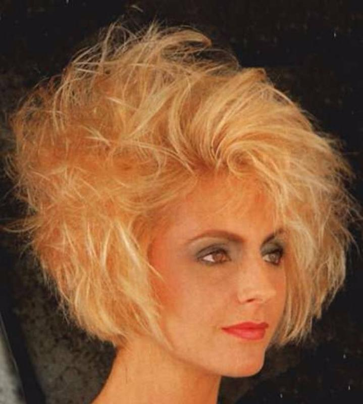 Women Rock Hairstyle in the 1980s (27)