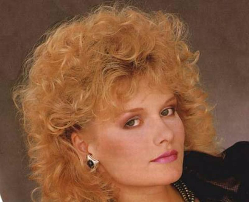 Women Rock Hairstyle in the 1980s (21)