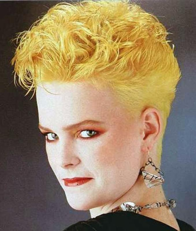 Women Rock Hairstyle in the 1980s (18)