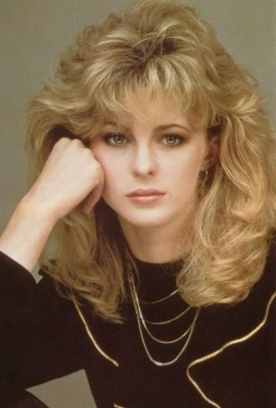 Women Rock Hairstyle in the 1980s (26)
