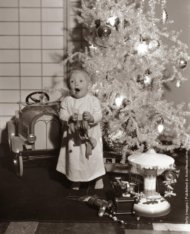 Magical Black and White Photos Of Christmas From Way Back
