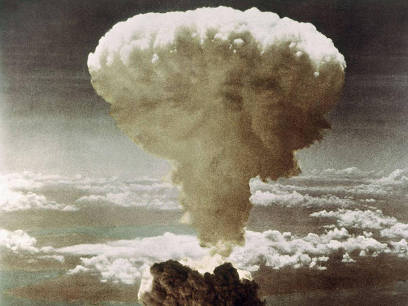 Nuclear-Bombing-8